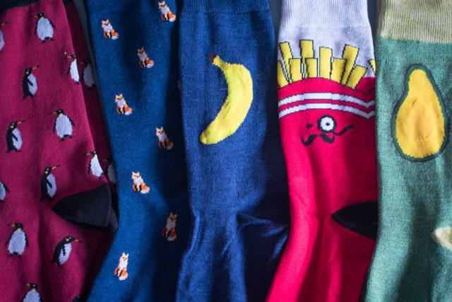 kolorowe skarpetki do garnituru